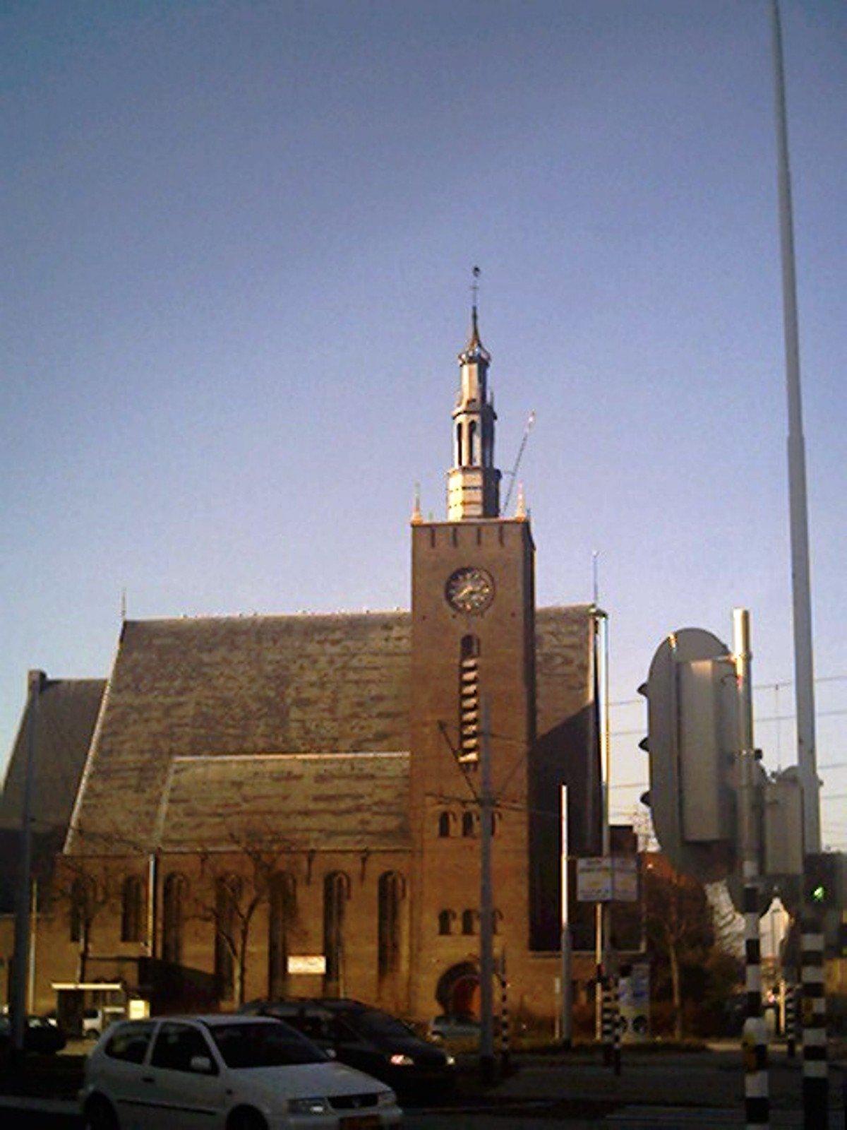 buurt boos op kerk
