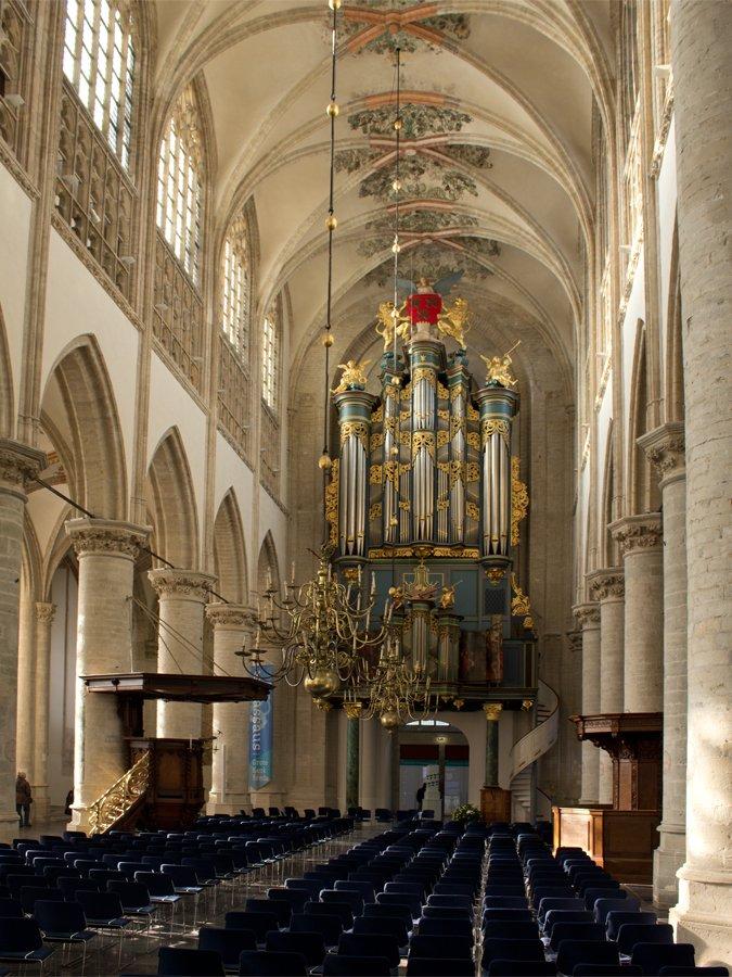 bestand interieur grote kerk reliwiki